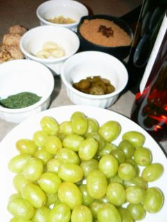 Pickled_grapes_ingredients
