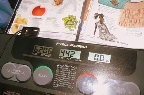 treadmill with magazines