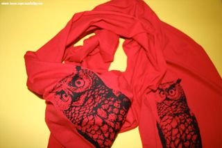 Red owl scarf