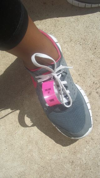 Sneaker with chip time D Tag.