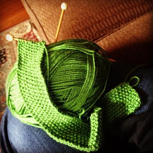 Seed Stitch Neck Tie
